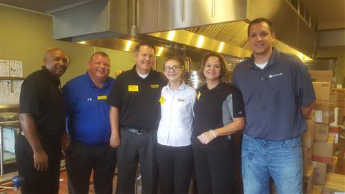 MES LSGT and Waffle House Support MES Students
